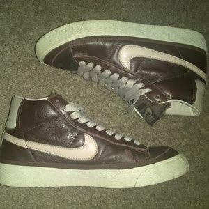 2002 Nike Dunk SB BLAZER LEATHER MID PAUL BROWN